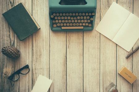 typewriter-801921_1280