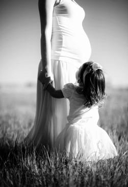 pregnant-690735_1280.jpg